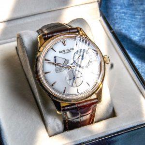 Récif tigre/RT hommes élégantes montres automatiques avec réserve de marche calendrier complet montre en or Rose RGA1980