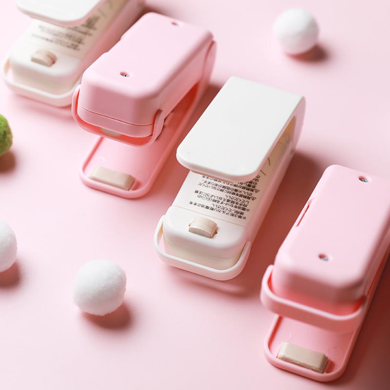 Sac de rangement de paquet en plastique de scelleur de chaleur portatif Mini autocollant pratique de Machine de cachetage et joints pour des accessoires de cuisine de casse-croûte de nourriture