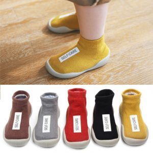 Printemps automne unisexe bébé chaussures anti-dérapant nouveau-né garçons filles chaussures en caoutchouc souple semelle premières chaussures chaussures de sol intérieur âge 6M-4T